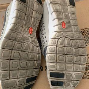 Nike Shoes - Men's Nike Free Run